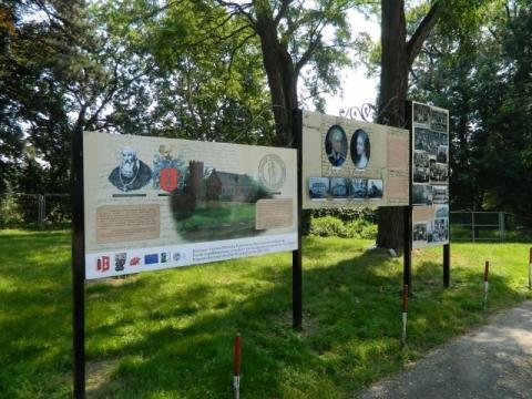 tablice w parku