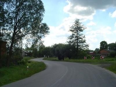 Droga w Sierzchowie z Koźminka do Opatówka